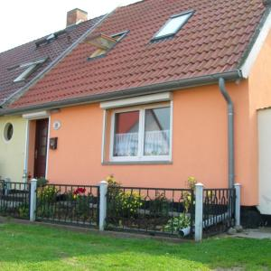 Hotel Pictures: Ferienhaus in Kröslin, Kröslin