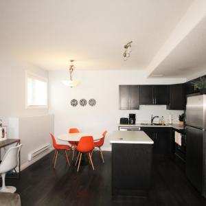 Hotel Pictures: Elegant Suite, Saskatoon