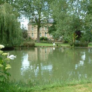 Hotel Pictures: Château du Beugnon, La Fosse-de-Tigné