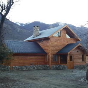 Foto Hotel: Patagonia Adventure Lago Cholila, Cholila