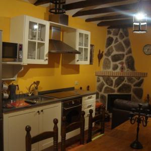 Hotel Pictures: Apartamentos El Volante II, Ciempozuelos