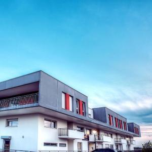 Hotel Pictures: Zenitude Hôtel-Résidences Les Hauts Du Chazal, Besançon