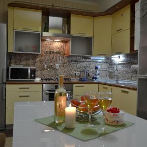 Hotel Pictures: Apartment on Pritytskogo 8, Maladzyechna