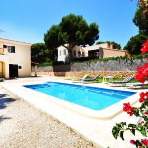 Hotel Pictures: Casa Ciro - Vallgornera, El Estanyol