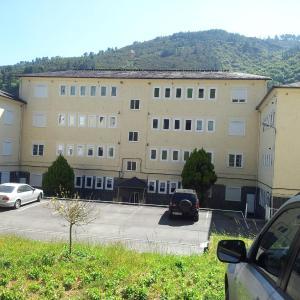Hotel Pictures: Ibias Apartamentos, San Antolín