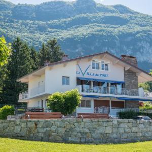 Hotel Pictures: La villa Du Port, Veyrier-du-Lac