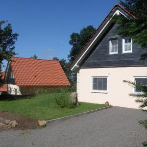 Hotelbilleder: Holiday home Bungalowpark Schnee-Eifel, Brandscheid