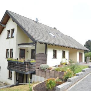 Hotelbilleder: Holiday home Ferienwohnung Fries, Niederehe