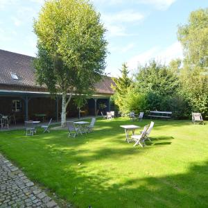 Hotel Pictures: Holiday home Hirondelles, Jumel