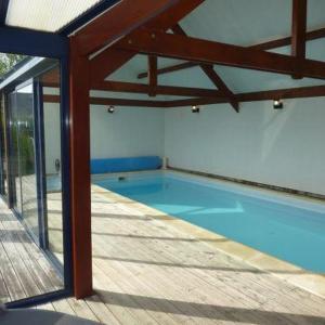 Hotel Pictures: Villa View, Kerhermain