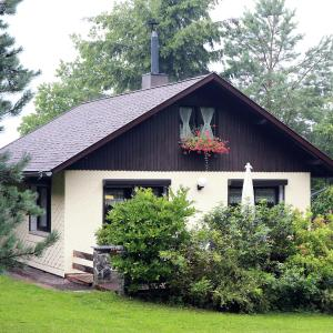 Hotel Pictures: Holiday home Am Wald 1, Winterstein