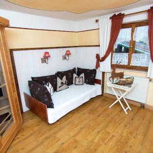 Hotel Pictures: Apartment Im Bauernhaus 2, Übersee
