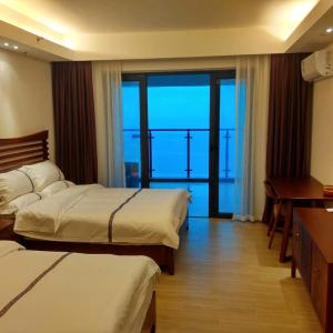 Hotel Pictures: Golden Coast Fuhai Hotel Apartment, Yangjiang