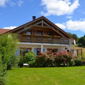 Hotel Pictures: Maison de vacances - Aumontzey, Aumontzey