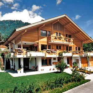 Hotel Pictures: Apartment Sarbach - Maria Lauberstrasse, Frutigen
