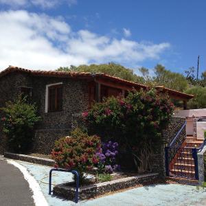 Hotel Pictures: Holiday Home Landhaus Birgit 3, Santiago del Teide