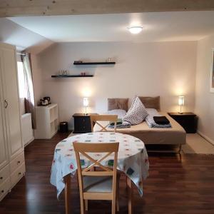 Hotel Pictures: Seng og Kaffe B&B, Fårvang