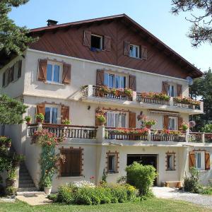 Hotel Pictures: Apartment CHAMPAUTRIC 2, Beauvezer
