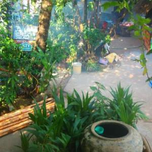 Foto Hotel: Paddy's Bamboo Guesthouse, Koh Kong
