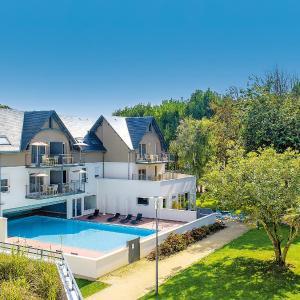 Hotel Pictures: Apartment Les Jardins d'Arvor.1, Bénodet