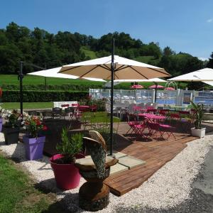 Hotel Pictures: Camping 'A l'Ombre des Tilleuls', Peyrouse