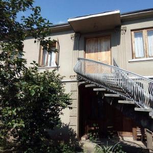 Hotellikuvia: Savanna House Jvari, Jvari