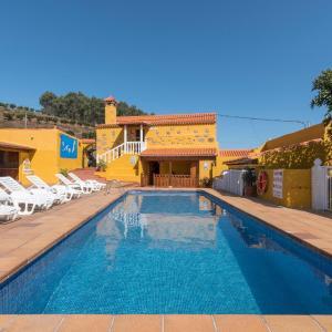 Hotel Pictures: Casas Lola y Rafael, Moya