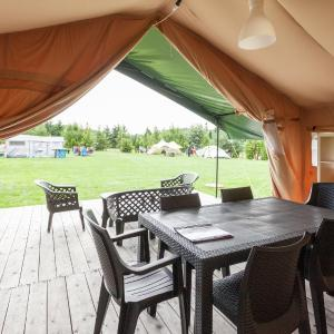Hotel Pictures: Camping 2000, Januv Dul