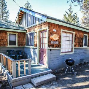 Hotel Pictures: Little Pines #102 Home, Big Bear Lake