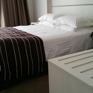 Hotel Pictures: Hôtel de Grignan, Vichy