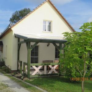 Hotelbilleder: Ferienhaus Niedan, Krieschow