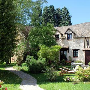 Hotel Pictures: Le Clos Dormont, Saint-Pierre-de-Bailleul
