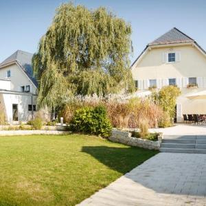 Hotel Pictures: Ringhotel Landhaus Nicolai, Lohmen