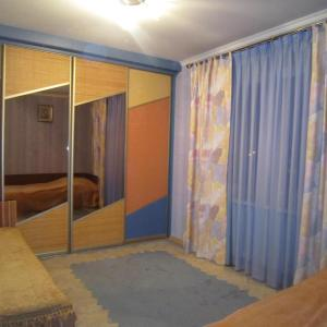 ホテル写真: Apartment on Sovetskoy Konstitutsii 15, Brest