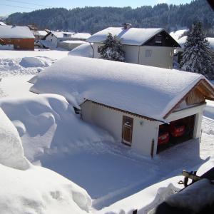 Hotel Pictures: Apartment Missen-Wilhams 2, Berg