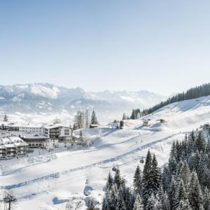 Hotel Pictures: Familien- und Sporthotel Allgäuer Berghof, Gunzesried