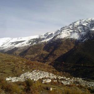 Hotel Pictures: Refugio Alpujarra Alta, Trevélez