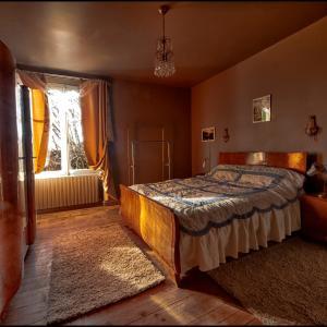 Hotel Pictures: Maison d'hote Art Déco, Saint-Saud-Lacoussière