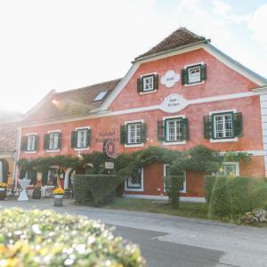 Fotos do Hotel: Landgasthof Riegerbauer, Sankt Johann bei Herberstein