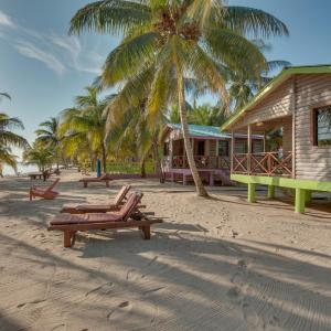 Hotel Pictures: Palm Cove Cabins at Coconut Row, Hopkins