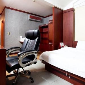 酒店图片: Luxury Hotel, 乌山市