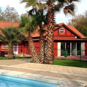 Hotel Pictures: Albergue Paradiso, Hinojedo