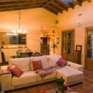 Hotel Pictures: Casa del Tilo, Pueyo