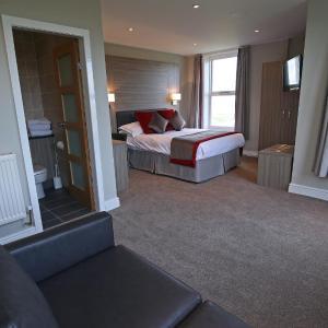 Hotel Pictures: Leasowe Castle Hotel, Moreton