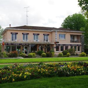 Hotel Pictures: Hotel Restaurant L'Ecureuil, Saint-Paul-en-Born