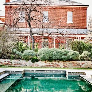 Foto Hotel: The Grounds Of The Ravenswood Homestead, Ravenswood
