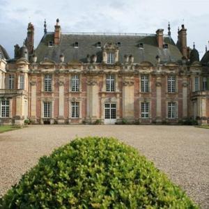 Hotel Pictures: Château de Miromesnil, Tourville-sur-Arques