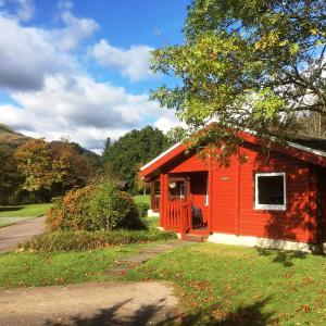Hotel Pictures: Pucks Glen Lodges, Dunoon