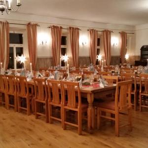 Hotel Pictures: Gasthaus Pension zum Täubchen, Wendelsheim