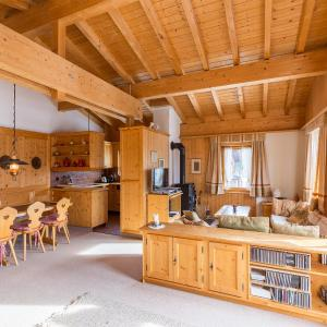 Hotel Pictures: Apartment Tannenruh, Arosa